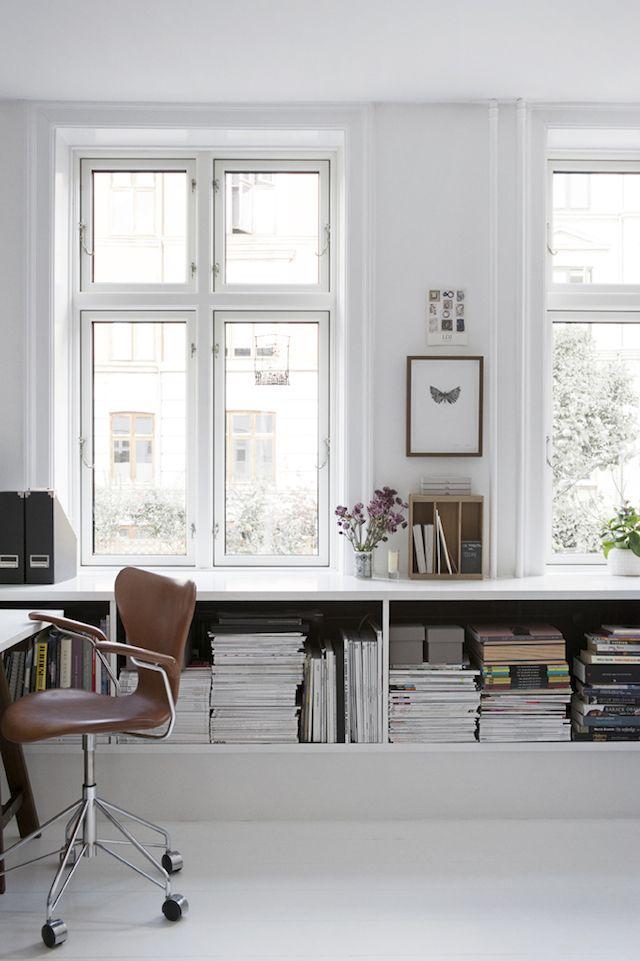rangement bureau grâce à des étagères sur mesure / office shelves