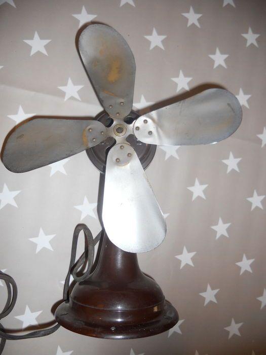 Online veilinghuis Catawiki: Mooie antieke metalen tafel ventilator, geschat…