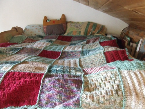 42 best Blankets images on Pinterest | Blankets, Filet crochet and ... : knitted quilts - Adamdwight.com