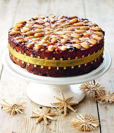 Nigella Christmas Cake Decoration : 1000+ ideas about Chocolate Fruit Cake on Pinterest ...