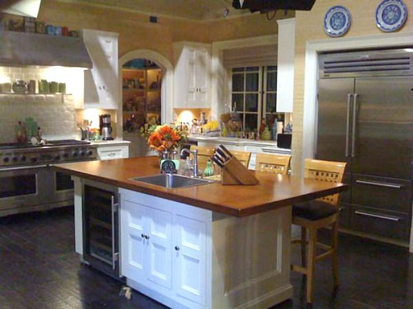 Brothers and Sisters TV Show Nora Walker's kitchen set