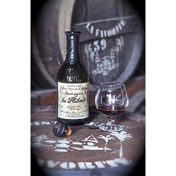 La Cuvée rhum vieux Flibuste - La Favorite - Rhum Vieux 30 ans d'âge - 1982 Tolle Geschenkideen mit Rum gibt es bei http://www.dona-glassy.de/Geschenke-mit-Rum:::22.html