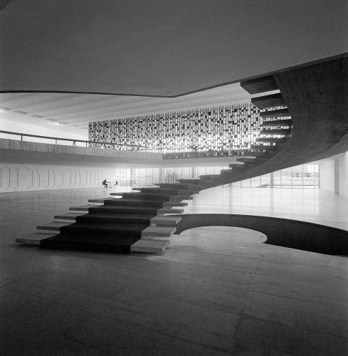 The beautiful grand staircase inside the Itamaraty Palace in Brasilia by the late Oscar Niemeyer. Photo by Marcel Gautherot.