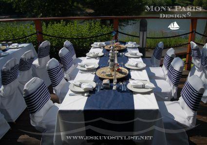 Tengerparti esküvő stílus, tengerész stílus, matróz stílus (asztal dekoráció)