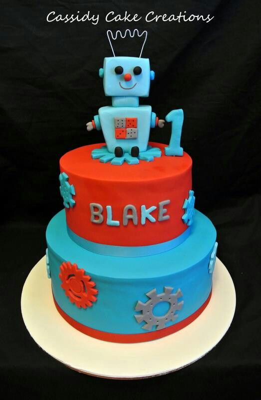 A robot themed birthday cake