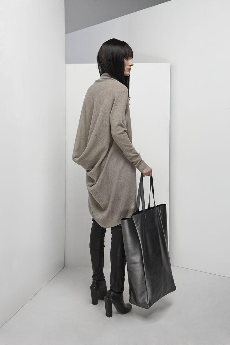 NUBU TIKO dress / NUBU YOLA bag