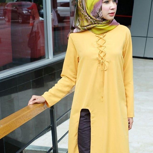 ㅤㅤ  Supplier Hijab Murah  ㅤ  Ready SN1255@58rb ( KHUSUS GROSIR)  Bahan Peach Sofie  Seri 4 warna  LD 100 cm  P 101 cm  Contact Us for more detail  Line: @ konveksi.hijab (pakai tanda @ yah)  WA: 0858 8533 3907  Store Location : PGMTA Lt LG Blok B No. 176  Group Store Instagram :  Hijaber : @ louve.pgmta  Gamis : @ alyla.alyla