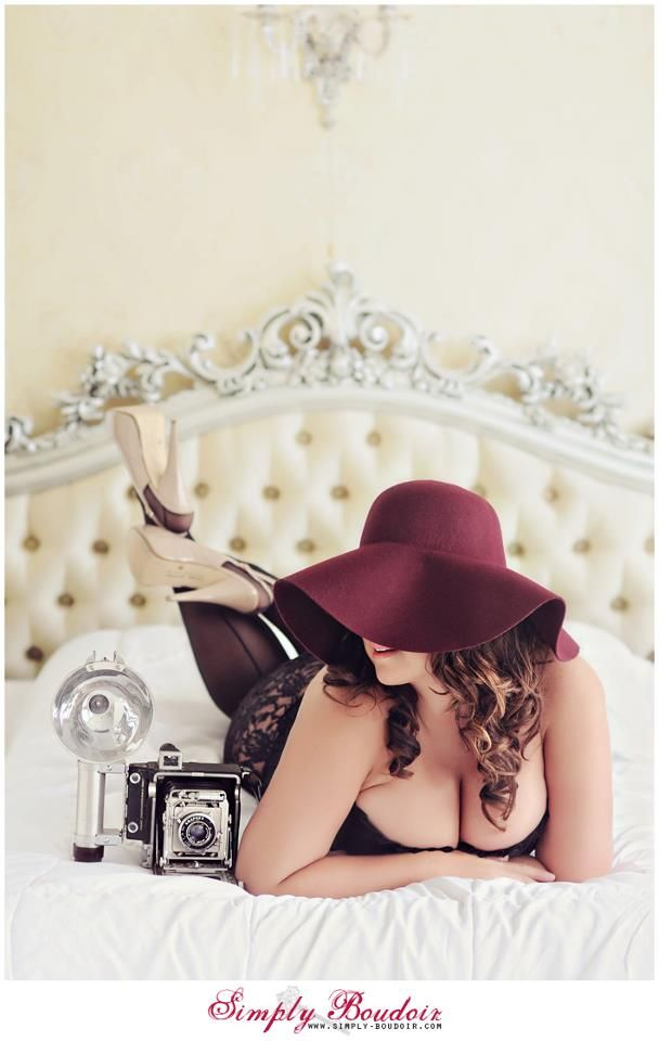 North Carolina Boudoir | North-Carolina-Boudoir-Photographer | North-Carolina-Boudoir-Photography | East-Coast-Boudoir | Premier-North-Carolina-Boudoir-Photographer | Plus-Size-Boudoir | http://www.simply-boudoir.com