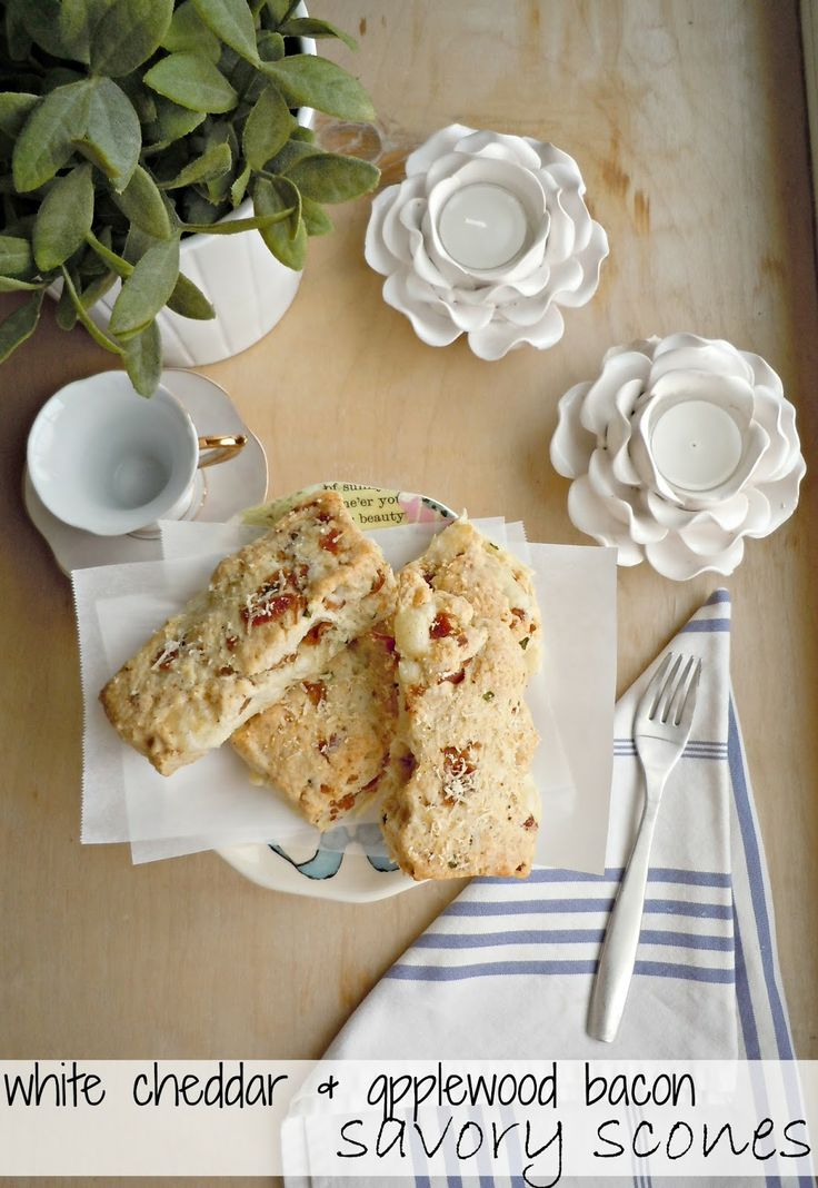 White Cheddar & Applewood Bacon Savory Scones {Chicago Deli} #mymarianos #shop