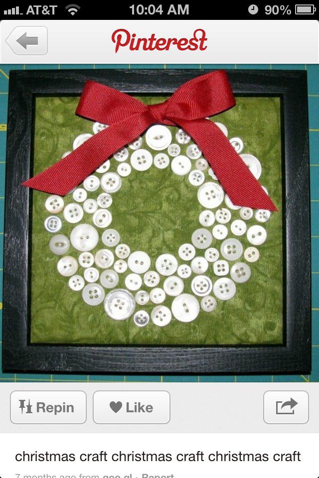 couronne de noël en boutons et ruban