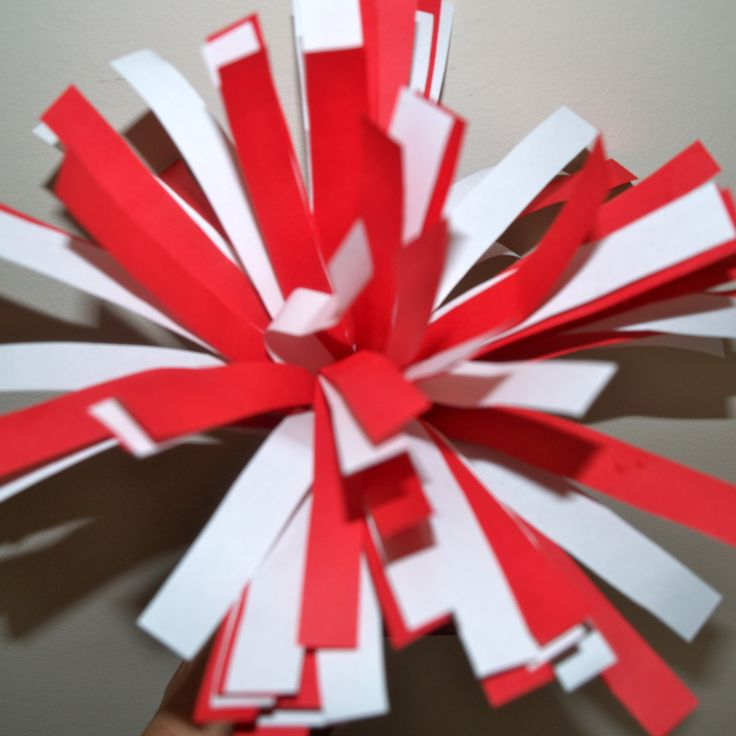 Tracey Knits is Online!: Sports Craft: Paper Pom-Poms
