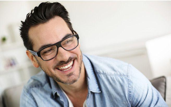 Beiträge von Krankenkassen an Brillen und Kontaktlinsen Welche Beiträge leisten die Krankenkassen an Brillengläser und Kontaktlinsen? Welche Untersuchungen von der Grundversicherung getragen werden und wann eine Zusatzversicherung sich lohnt erklärt Rolf Wirz, Vorsitzender der Geschäftsleitung der Maklerzentrum Schweiz AG.