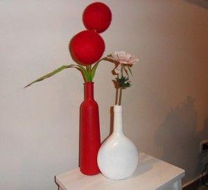 ► Riciclare le bottiglie di vetro e trasformale in vasi http://www.mondoeco.it/riciclare-le-bottiglie-di-vetro-e-trasformali-in-vasi/6624/