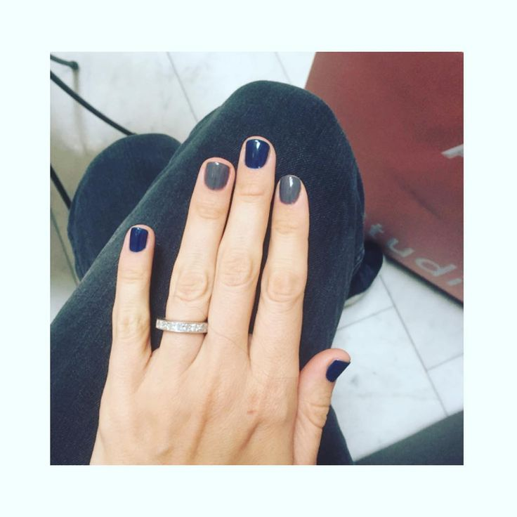 Blue and grey ✔️ by @fridaselkirk #manicure #beauty #inspiration #style