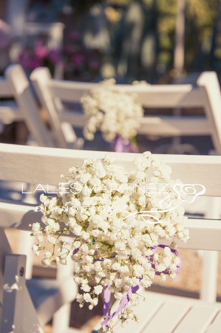 Detalle de las sillas peque o ramito de paniculata - Decoracion bodas civiles ...