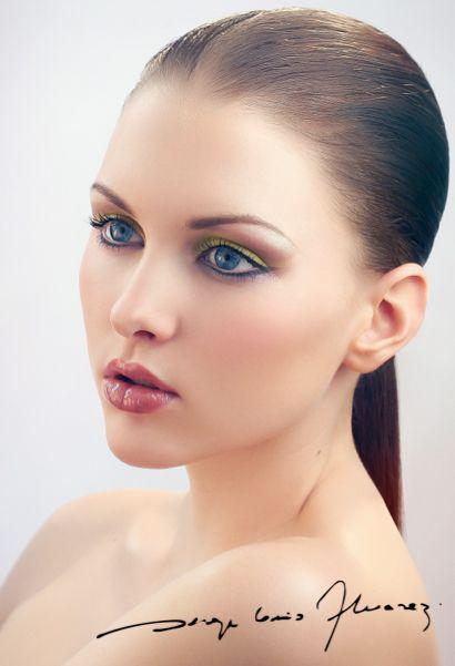 SLA - Ruby lipstick