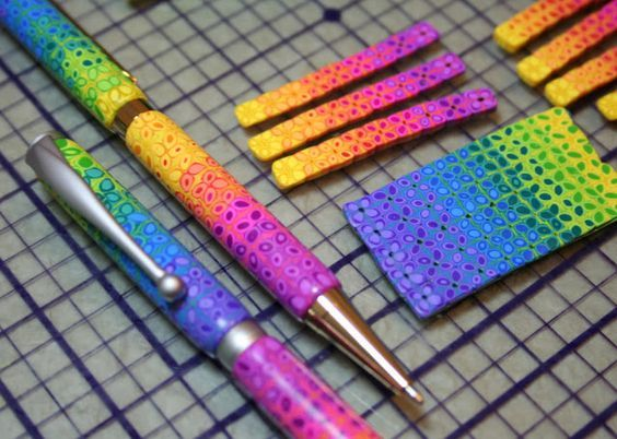Starless Clay: Rainbow Daisy Pen Tutorial: