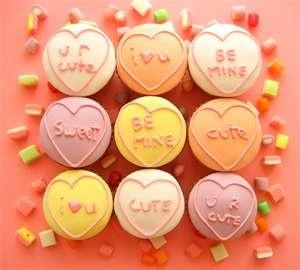 heart conversation cupcakes