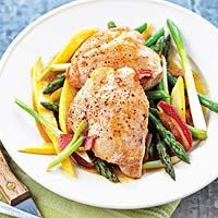 Chicken and Asparagus Skillet SupperTasty Recipe, Olive Oil, Skillets Suppers, Chicken Asparagus, Summer Squashes, Skillets Dinner, Asparagus Recipe, Recipe Chicken, Asparagus Skillets