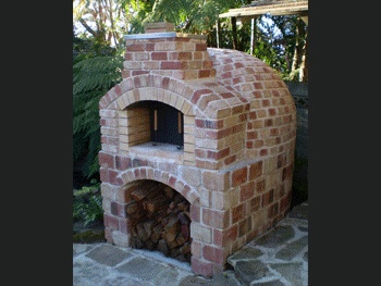 Wood Fired Pizza Ovens - want!
