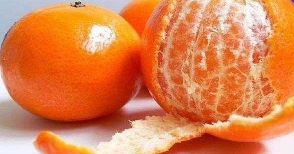 Dala som si kôru z mandarinky medzi prsty u nôh. Potom som zistila, že ide o skvelý trik pre každého   Báječné Ženy