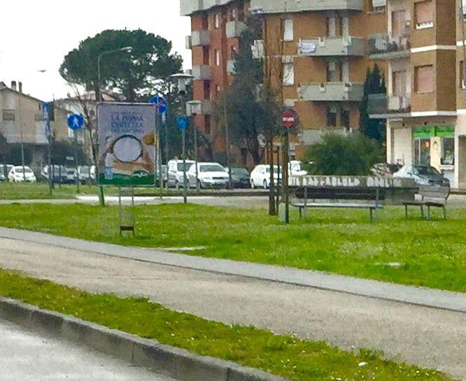 Affissione e stampa di manifesti sequenziali bifacciali committente TRE VALLI. #manifesti #bifacciali #affissioni Via Sandro Pertini #Fano, Marche