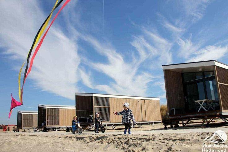 STRANDHÄUSER NACHSOMMER. Strandhaus am Meer Holland. Neues Luxus-Strandhaus Hoek van Holland, Vlissingen, Wijk aan Zee. STRANDHAUS SAISON 2018.
