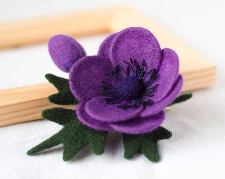 Viola fiore Spilla Pin Anemone sentivo spilla fiore pin regali per regali unici gioielli porpora di donna viola spilla per gioielli fatti a mano mamma di TaniaFelt su Etsy https://www.etsy.com/it/listing/228620316/viola-fiore-spilla-pin-anemone-sentivo