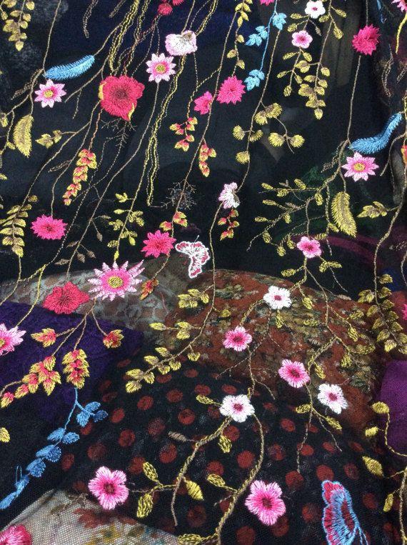 Bloemen geborduurde Tule netto Lace stof van RunwayFabric op Etsy