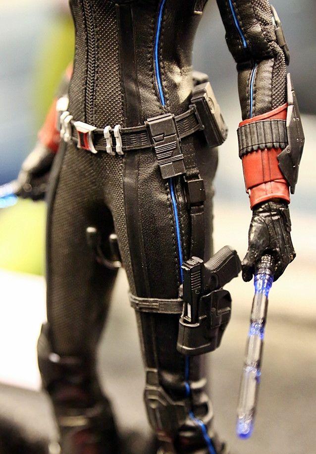 Black Widow Age Ultron: Black-Widow-Avengers-Age-of-Ultron-Batons-Hot-Toys
