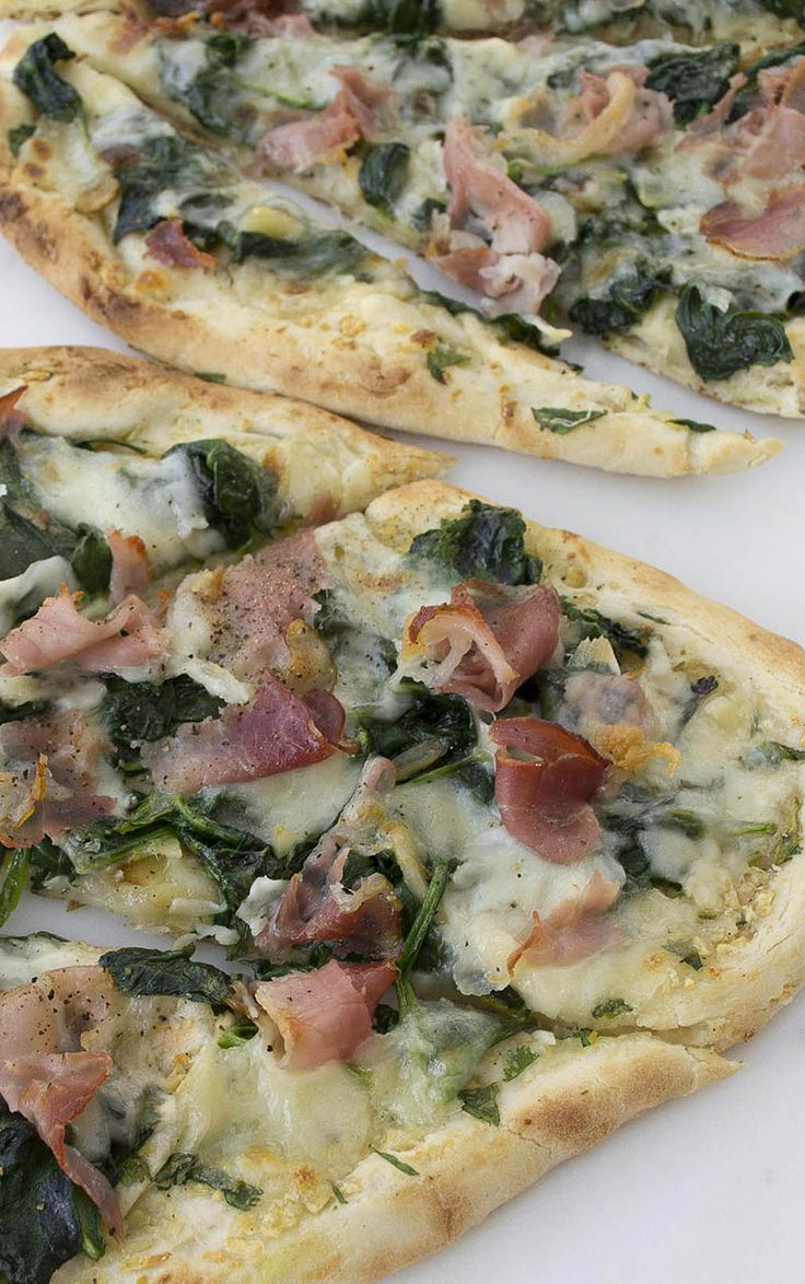 15 Minute Prosciutto and Spinach Flatbread Pizza Recipe; so easy and tasty!
