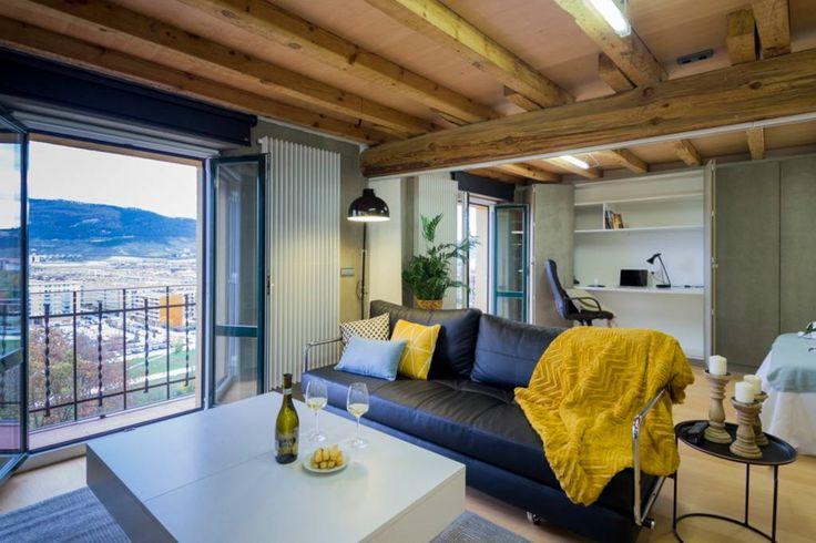 Échale un vistazo a este increíble alojamiento de Airbnb: Muralla de Pamplona Loft - Apartamentos en alquiler en Pamplona