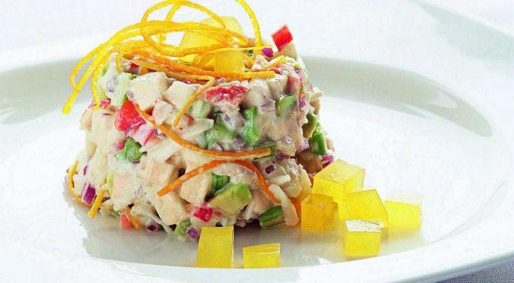 Вкусно и изысканно: крабовый салат с апельсиновым желе