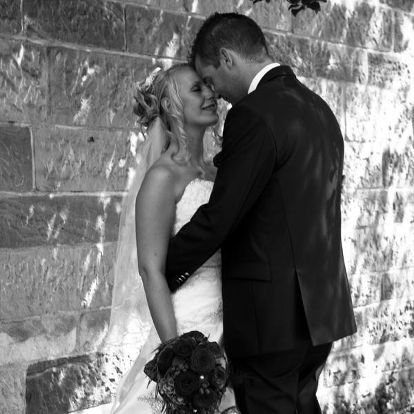 Hochzeit Fotoshooting Brautpaar Portrait Schwarz-Weiß - Parchen Fotos