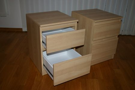 bedside_tables
