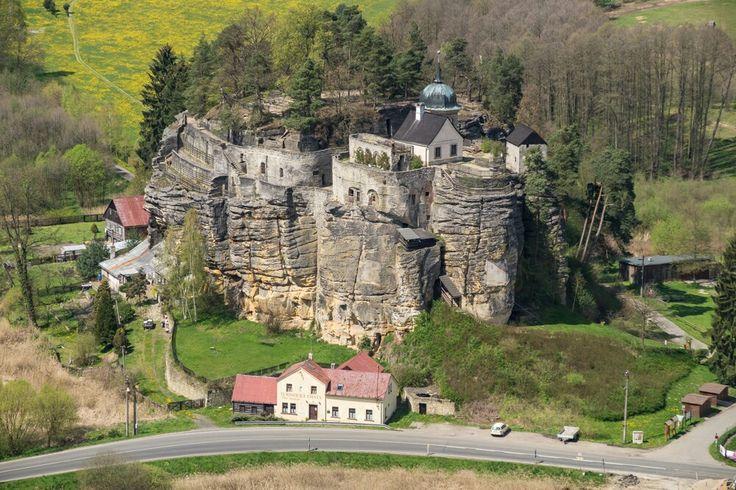 Skalní hrad Sloup v Čechach