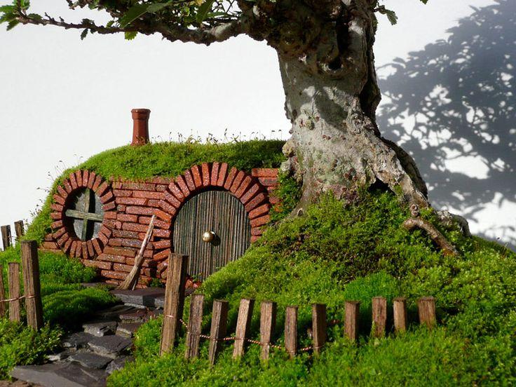 A Bonsai Baggins Hobbit Home   Built By Chris Guise Great Pictures