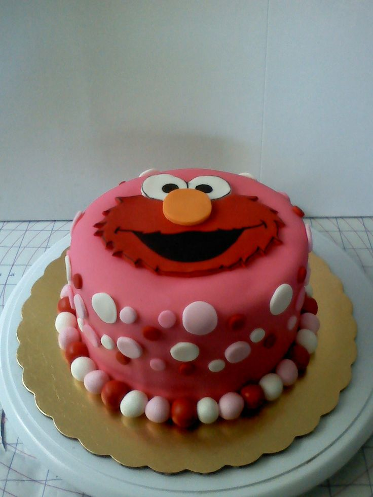 Girly+Elmo+cake+-+www.facebook.com/nikkiscreativeconfections
