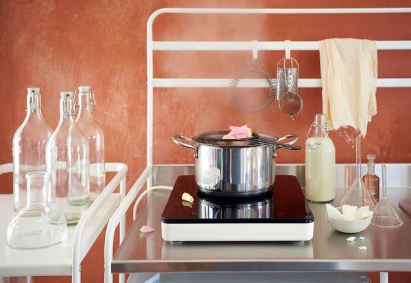tavolini ikea cucuna piccoli dpazi : La nuova cucina Ikea per piccoli spazi costa circa 100 euro - Elle ...