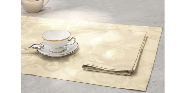 """Liberty"" placemat and napkin.  #MadeinItaly #luxury #table #tablesetting #tablelinen"