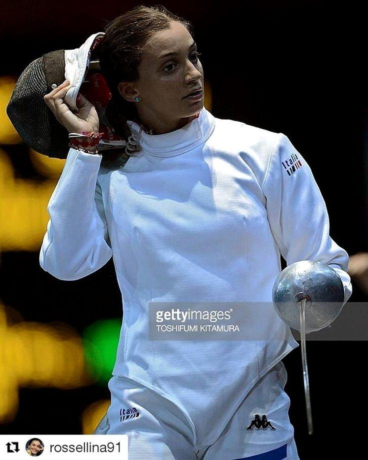 @rossellina91 with @repostapp ・・・ Il tempo è volato, mancano pochi giorni alla mia seconda Olimpiade!!!! Qui a mezzana si lavora tanto ma soprattutto si inizia a cercare la giusta forma mentale per arrivare a Rio pronti al 100%. FOLLOW 👇👇👇👇@fencing._.club 📷 @fencingphoto #fencingteam #fencingtime #escrime #esgrima #scherma #fencingposts #fencingclub #fechten #fencinglife