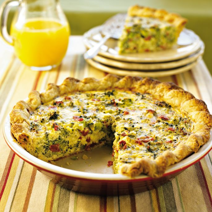 Broccoli & Sun-Dried Tomato Quiche from @fitbie makes a home run healthy brunch.  #vegetarian https://blog.myfitnesspal.com/broccoli-sun-dried-tomato-quiche/?utm_source=mfp&utm_medium=Pinterest