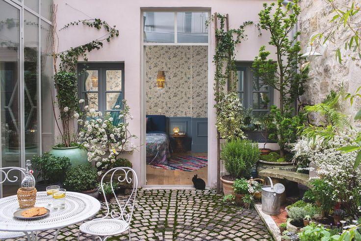 Un appartamento dai toni autunnali a Parigi Studio