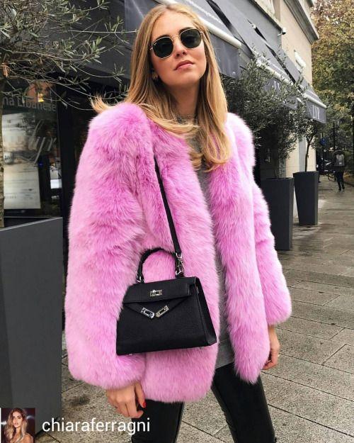Chiara Ferragni @Regrann from @chiaraferragni - On Fridays we wear pink  #ItalianDays #Regrann