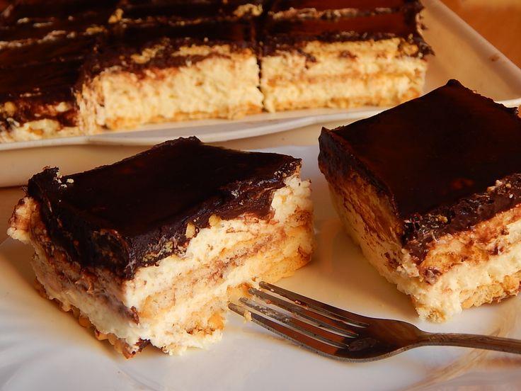 A kekszes krémes egy szuper egyszerű és igazán isteni sütés nélküli desszert, amit nagyon gyorsan te is elkészíthetsz!Kápráztasd le a vendégeidet ezzel a fantasztikus kekszes krémessel! Biztosan mindenkikér majd