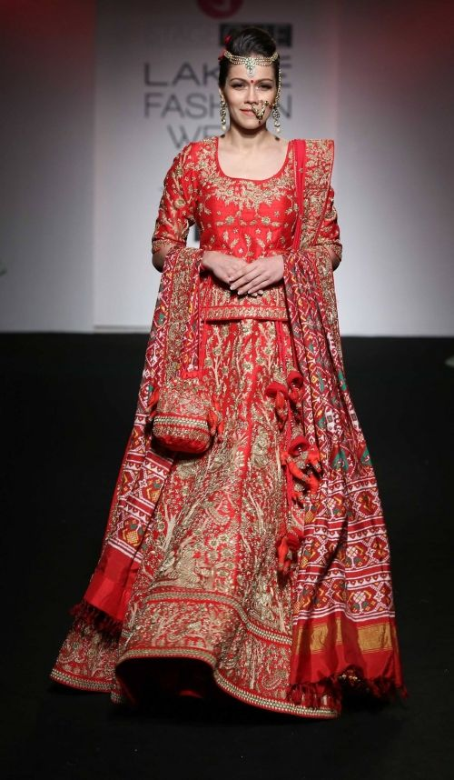 Saroj Jalan at Lakme Fashion Week - AW16 - Look 5
