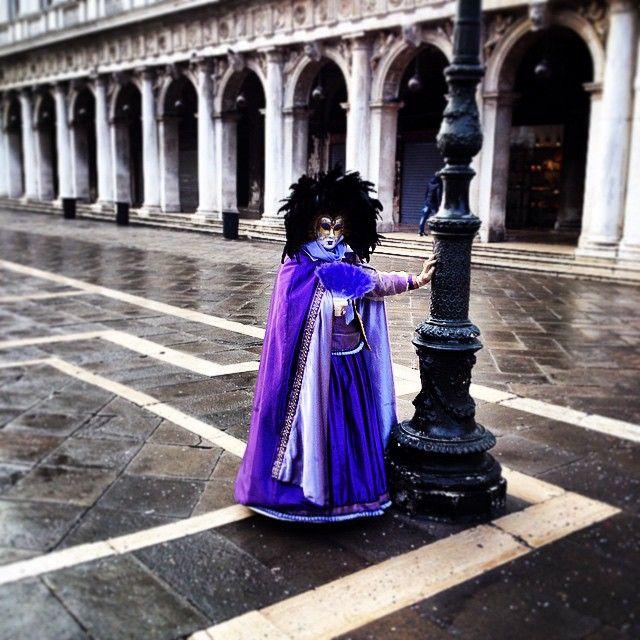 Una maschera al carnevale di #Venezia