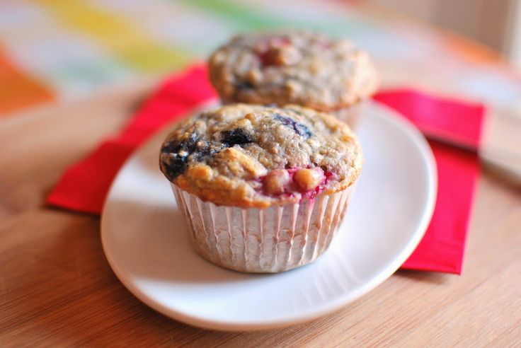 Petits muffins, petits fruits    Bleuets et framboises en vedette.    C'est le matin, on veut bien manger, on se rend au Tim Hortons et on ...