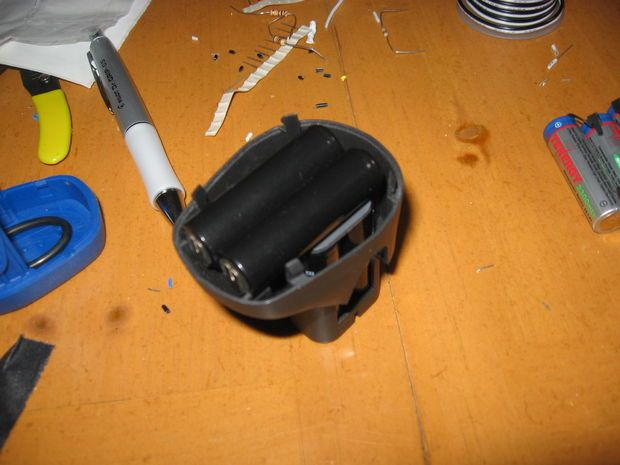 How to replace batteries in a cordless Dremel.