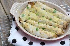 kip-pesto wraps uit de oven met vegan kipstuckjes ipv kipfilet